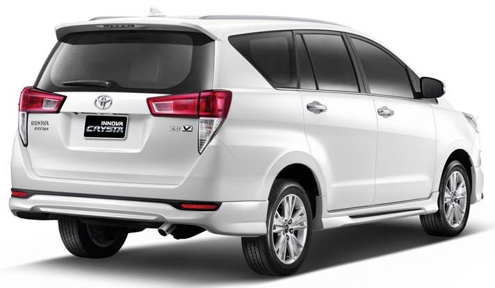 ภายนอกของ Toyota Innova Crysta 2017