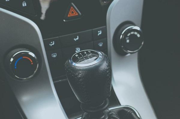 สภาพรถภายในรถต้องนำไปใช้เปรียบเทียบกับระยะเลขไมล์เพื่อดูสภาพรถที่แท้จริง
