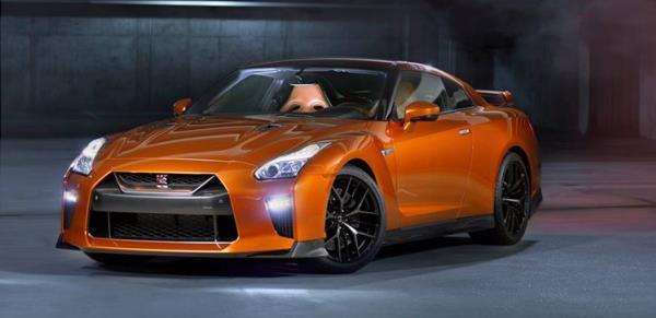 การออกแบบด้านหน้าของ Nissan GT-R ใหม่ ปี 20 17