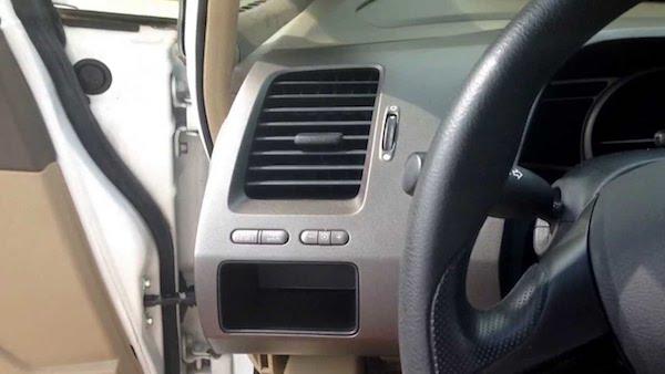 Civic ถ้าแอร์เริ่มมีกลิ่นก็ควรเปลี่ยนกรองฟิลเตอร์แอร์ใหม่