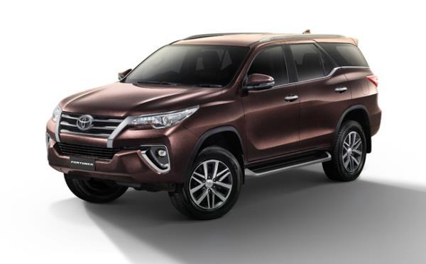 ดีไซน์ด้านหน้าของ Toyota Fortuner 2017 รุ่นปรับโฉมใหม่