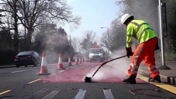 การทาพื้นถนนสีแดงกันลื่น ให้ได้ประสิทธิภาพสูงสุด ต้องมีการควบคุมอุณหภูมิ