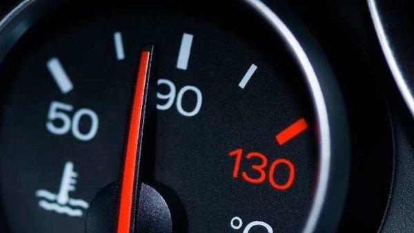 อย่าละเลยมาตราวัดอุณหภูมิเครื่องยนต์ในรถของคุณ เพราะมันอาจทำให้เครื่องยนต์เสียหายหนักได้
