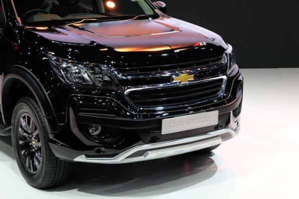 มุมมองด้านหน้าของ Chevrolet Trailblazer Z71 2017