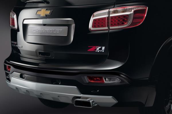 มุมมองด้านหลังของ Chevrolet Trailblazer Z71 2017