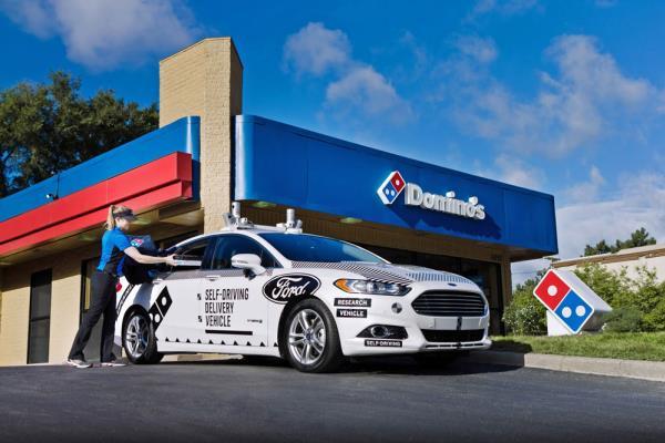 Ford ร่วมกับ Domino's Pizza พัฒนารถไร้คนขับสำหรับส่งพิซซ่า