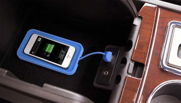 ถ้าเป็น Iphone รุ่นเก่าอยากชาร์จแบบ Wireless Charging ก็ต้องใส่อุปกรณ์เพิ่มเติม