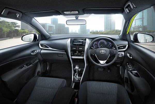 ภายในห้องโดยสารของ Toyota Yaris Hatchback 2017