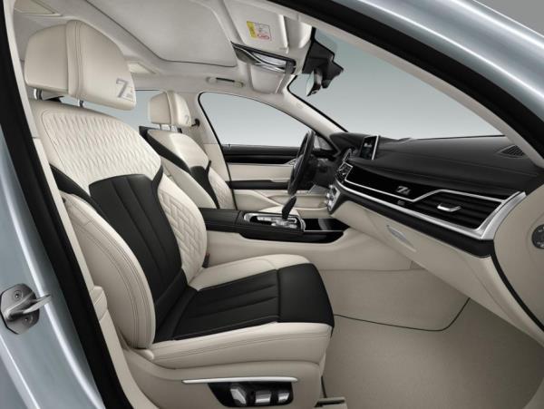 ภายในห้องโดยสาร BMW 7 Series 2017 Edition 40 Jahre โทนสี Smoke White/Black