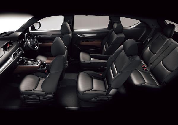 เบาะนั่ง 3 แถว 7 ที่นั่งของ Mazda CX-8 2017 ใหม่