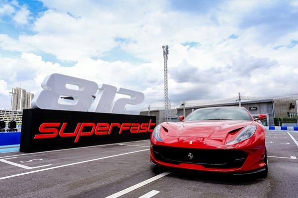 Ferrari 812 Superfast ได้เปิดตัวที่งาน Geneva Motor Show