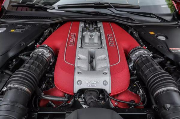 ขุมพลีงของ Ferrari 812 Superfast
