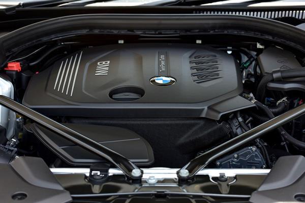 ด้านขุมพลังของ BMW 520d Sport ปี 2017 รุ่นประกอบในประเทศ