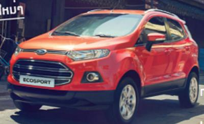 Ford EcoSport สีแดง