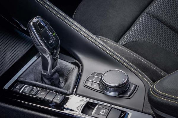 การออกแบบภายในห้องโดยสาร BMW X2 2018 ใหม่