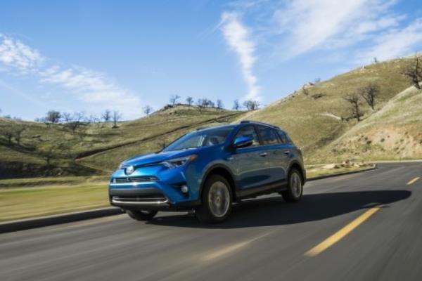 โตโยต้าได้ลงทุนในรถยนต์ระบบไฮบริด แบตเตอรี่แบบโซลิตสเตต (Solid-State Battery) และเทคโนโลยีขับเคลื่อนด้วยตนเอ