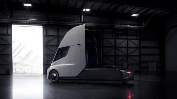 รถบรรทุก Tesla ที่มาพร้อมด้วยความทันสมัย