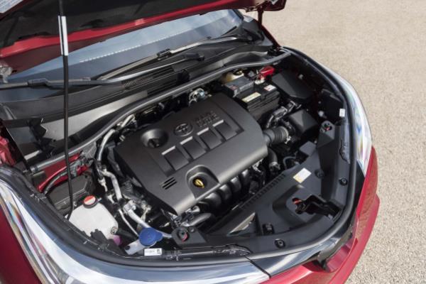 เครื่องยนต์เบนซิน 1.8 ลิตร  Dual VVT-i จับคู่กับเกียร์อัตโนมัติ CVT พร้อมแพดเดิลชิฟต์ แลพระบบเซฟตี้จัดเต็ม เช่น  Rear Cross Traffic Alert