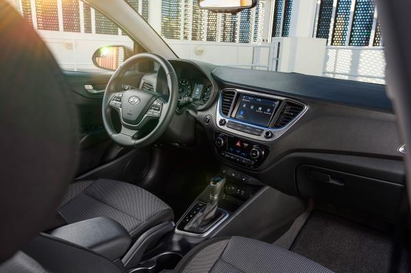 ภายในของ Hyundai Accent
