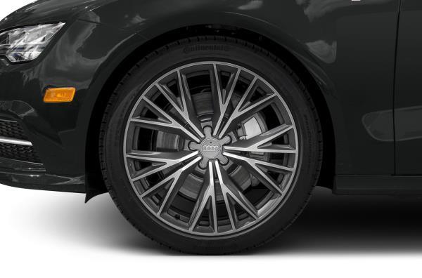 ล้ออัลลอยขนาด 21 นิ้ว ลงในตัวรถยาว 4,969 มม.  ให้ฐานล้อยาว 2,926 มม. ตัวรถกว้าง1,908 มม. และสูง 1,422 มม.