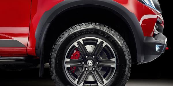Holden Colorado SportsCat 2018 รุ่นพิเศษ ขยายจานเบรกเป็น 362 มิลลิเมตร (เพิ่มขึ้น 62 มิลลิเมตร)