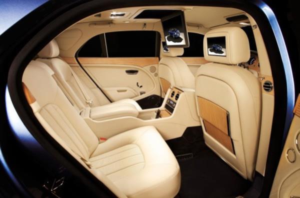 Bentley Flying Spur อุปกรณ์อำนวยความสะดวกและความบันเทิง