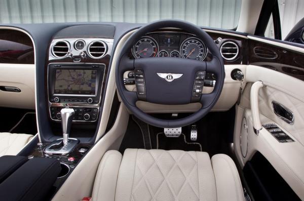 Bentley Flying Spur V8 Standard Interior ด้านคนขับ