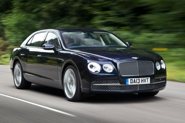 Bentley Flying Spur V8 Standard ปี 2014 โฉมหน้า
