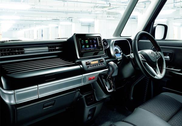 New Suzuki Spacia microvan ภายใน