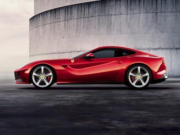 Ferrari F12 Berlinetta ปี 2015 Safety