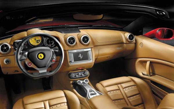 Ferrari F12 Berlinetta ปี 2015 Interior