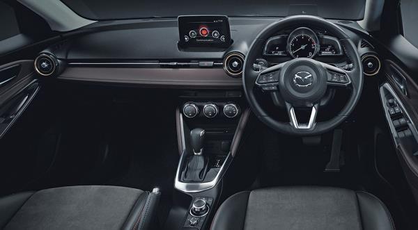 ภายในห้องโดยสารของ Mazda 2