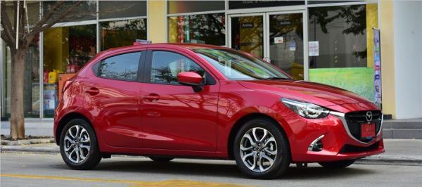 รูปโฉมภายนอกของ Mazda 2 XD High Plus L
