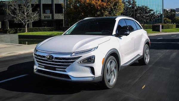 รูปลักษณ์ด้านหน้า Hyundai NEXO 2018