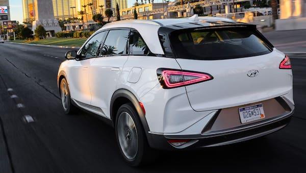Hyundai NEXO 2018  รถยนต์พลังไฮโดรเจน