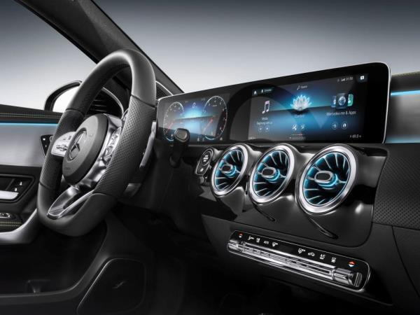 "Mercedes-Benz โชว์ติดตั้งอินโฟเทนเมนท์สุดล้ำ ""MBUX"" ใช้ชิพและ AI ครั้งแรกในรุ่น A-Class"