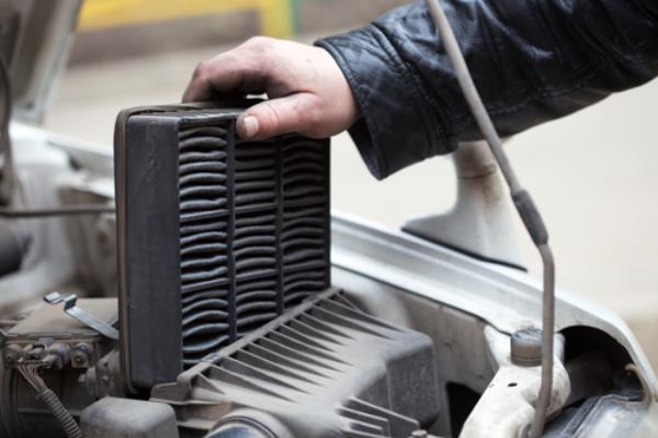 ภาพตัวอย่างการเปลี่ยนและทำความสะอาดไส้กรองอากาศ (Air Filter)