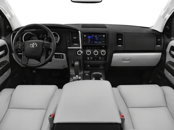 ภายใน Toyota SEQUOIA SUV รุ่นปรับโฉมปี 2018