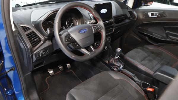 ภายในห้องโดยสารของ Ford EcoSport ST-Line 2018