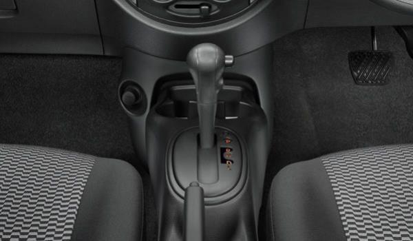 อุปกรณ์ภายใน Nissan March 2017