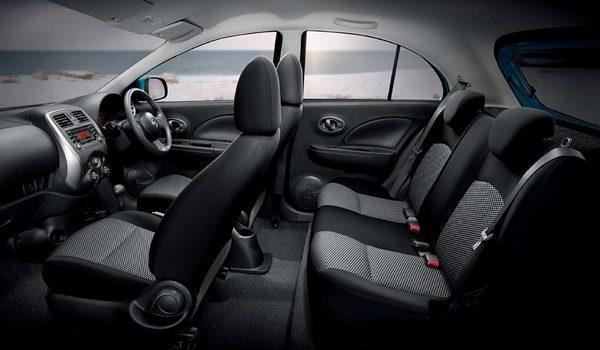ภายในห้องโดยสารของ Nissan March 2017