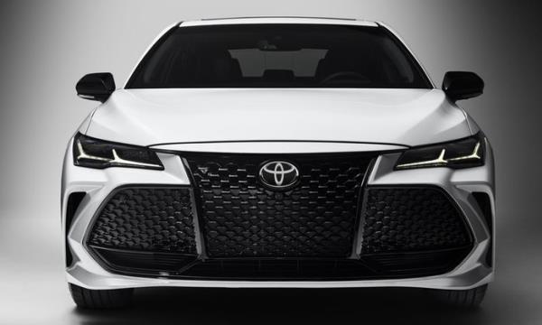 รูปลักษณ์ซีดานหรูเหนือระดับ ของ Toyota Avalon 2018 ใหม่