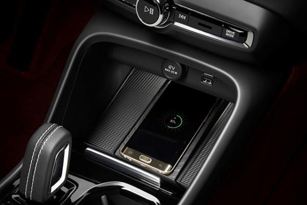 คุณสมบัติภายใน Volvo XC40 ปี 2018