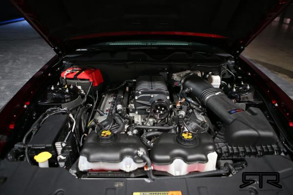 เครื่องยนต์ขนาดทั้งสิ้น 5.0 ลิตรแบบ V8 ให้กำลังสูงสุดถึง 700 แรงม้า