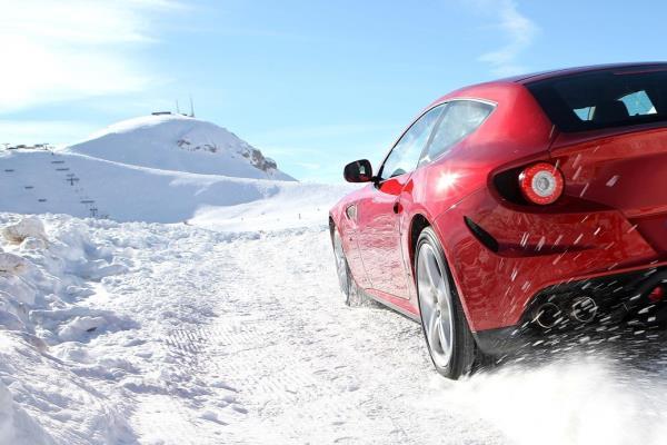 Ferrari SUV แฟนๆ ม้าลำพองต้องอดใจรอปี 2019