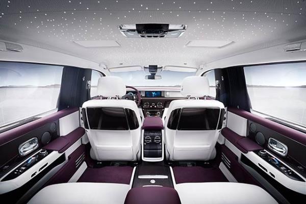 Rolls-Royce Phantom 2018 ห้องโดยสาร