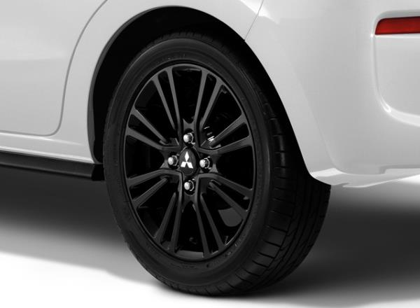 รูปโฉมสปอร์ตมีสไตล์ในแบบ Mitsubishi Mirage Limited Edition สีขาวมุก (White Pearl) หลังคาสีดำ