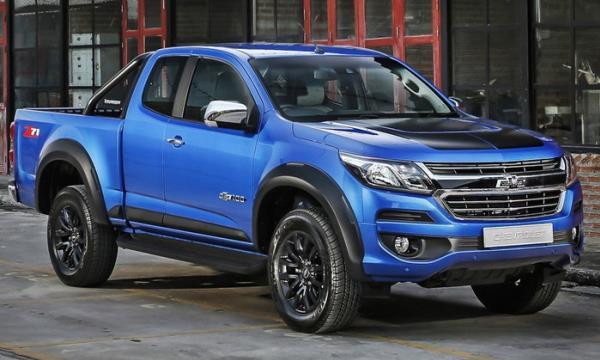 ภายนอกของ Chevrolet Colorado Centennial Edition 2018 สีน้ำเงิน Blue Me Away Metallic สาหรับรุ่น LTZ