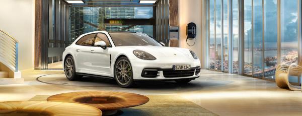 Porsche Panamera 4 E-Hybrid Sport Turismo คว้ารางวัล Best Hybrid Luxury Car
