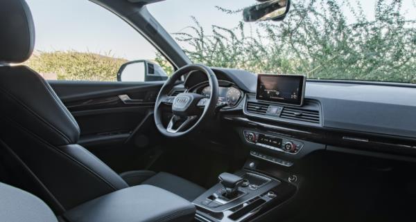 ภายในของ Audi Q5 35 TDI quattro 2017